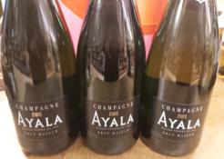 Lockdowndoos J met 3 flessen Ayala Brut Majeur Champagne, 3 x 75 cl., 12% alc.-0