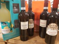 Lockdowndoos F met 70 cl. Limoncello Isolabella giftpack + 4 Italiaanse wijnen.-0